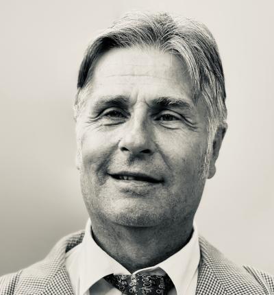 Algot Snisvall : Fast tjänst